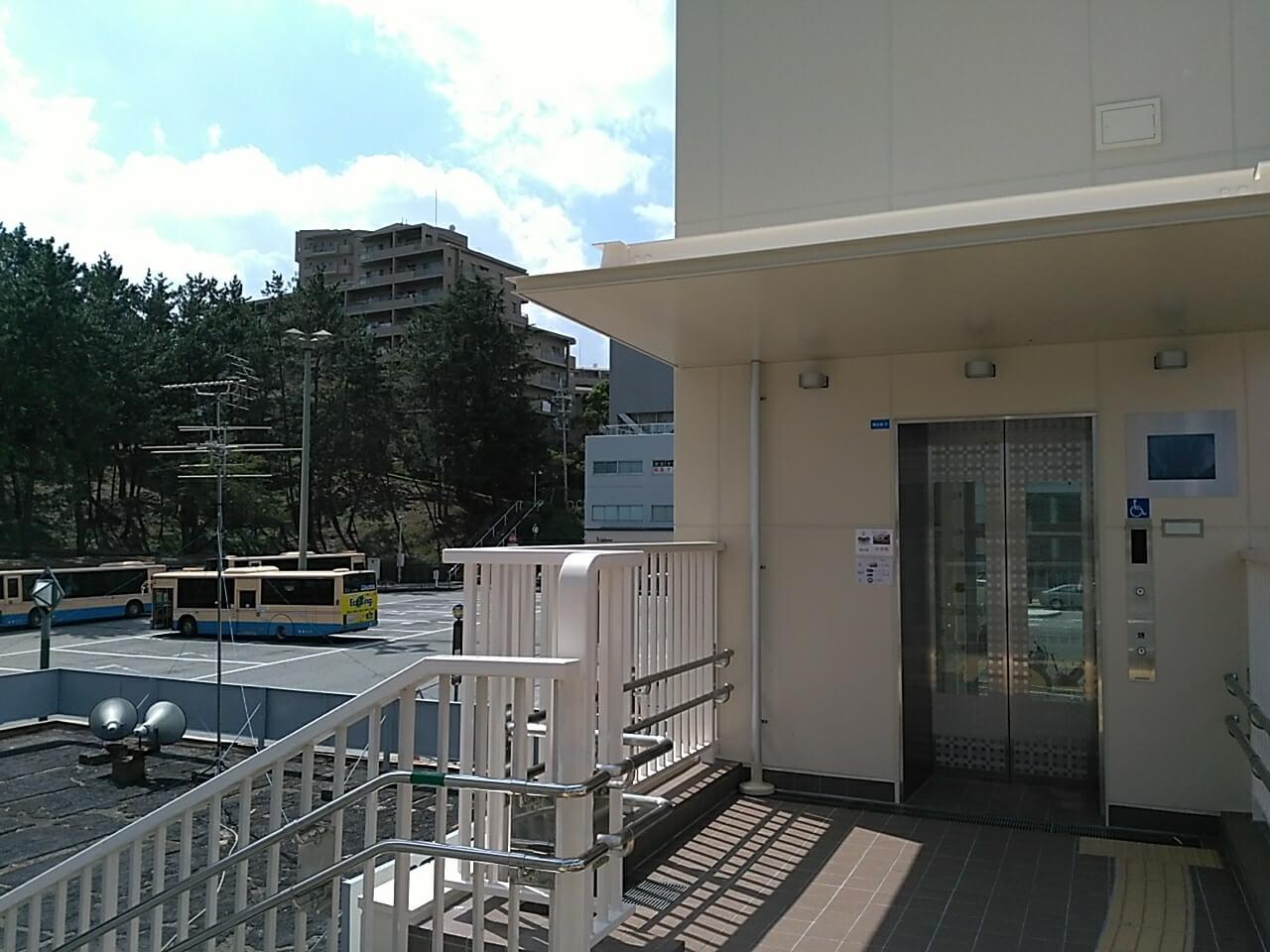 桃山台エレベーター