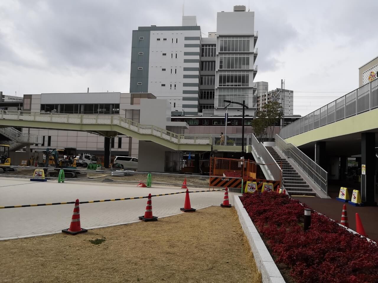 南千里駅前広場