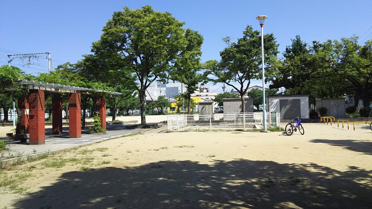 大和田川公園 三角公園