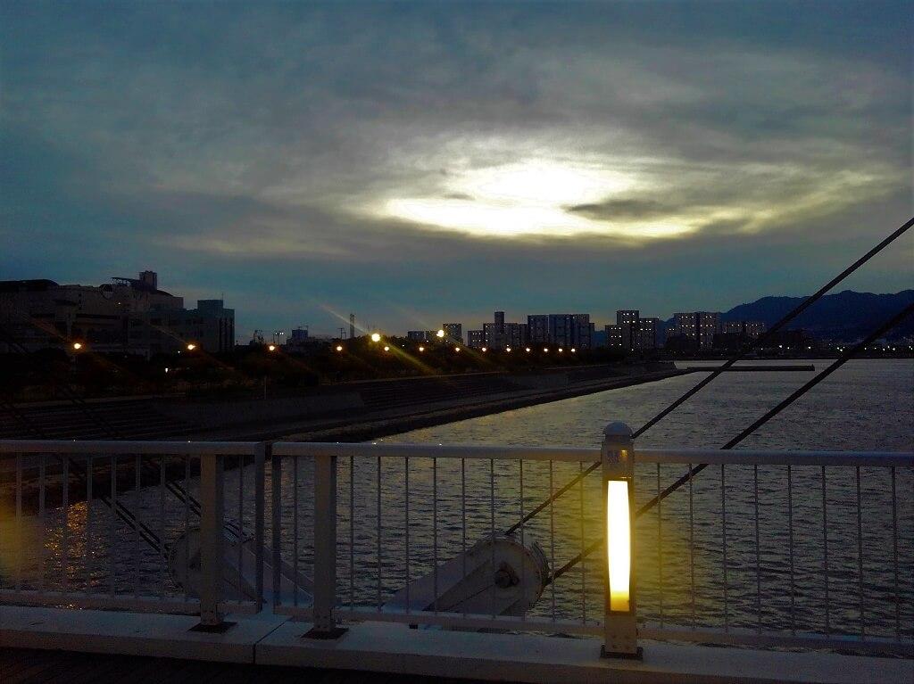 御前浜橋からの夕日