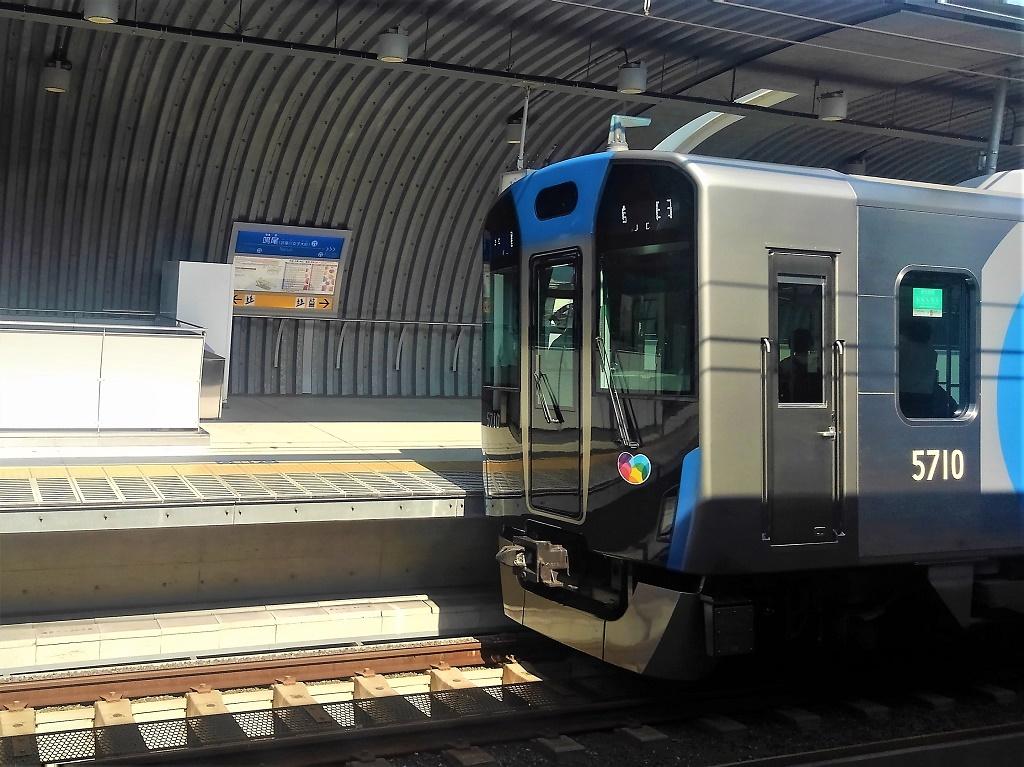 梅田行き普通と鳴尾駅