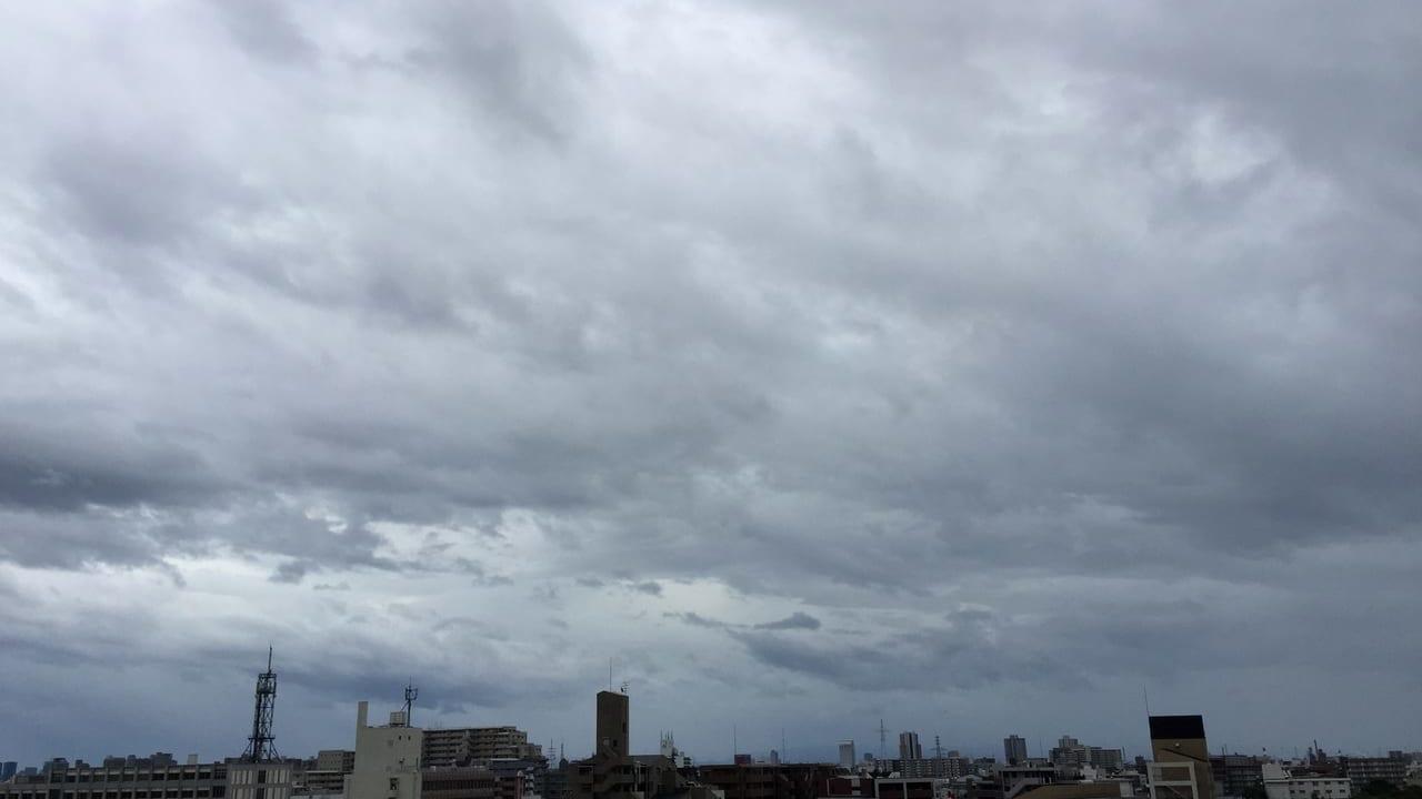 尼崎市内 台風10号接近前 空模様