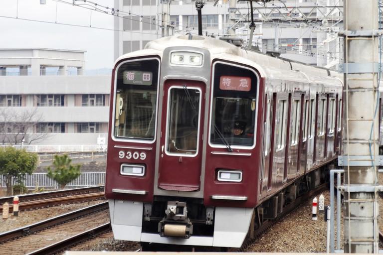 阪急電車9300系梅田行