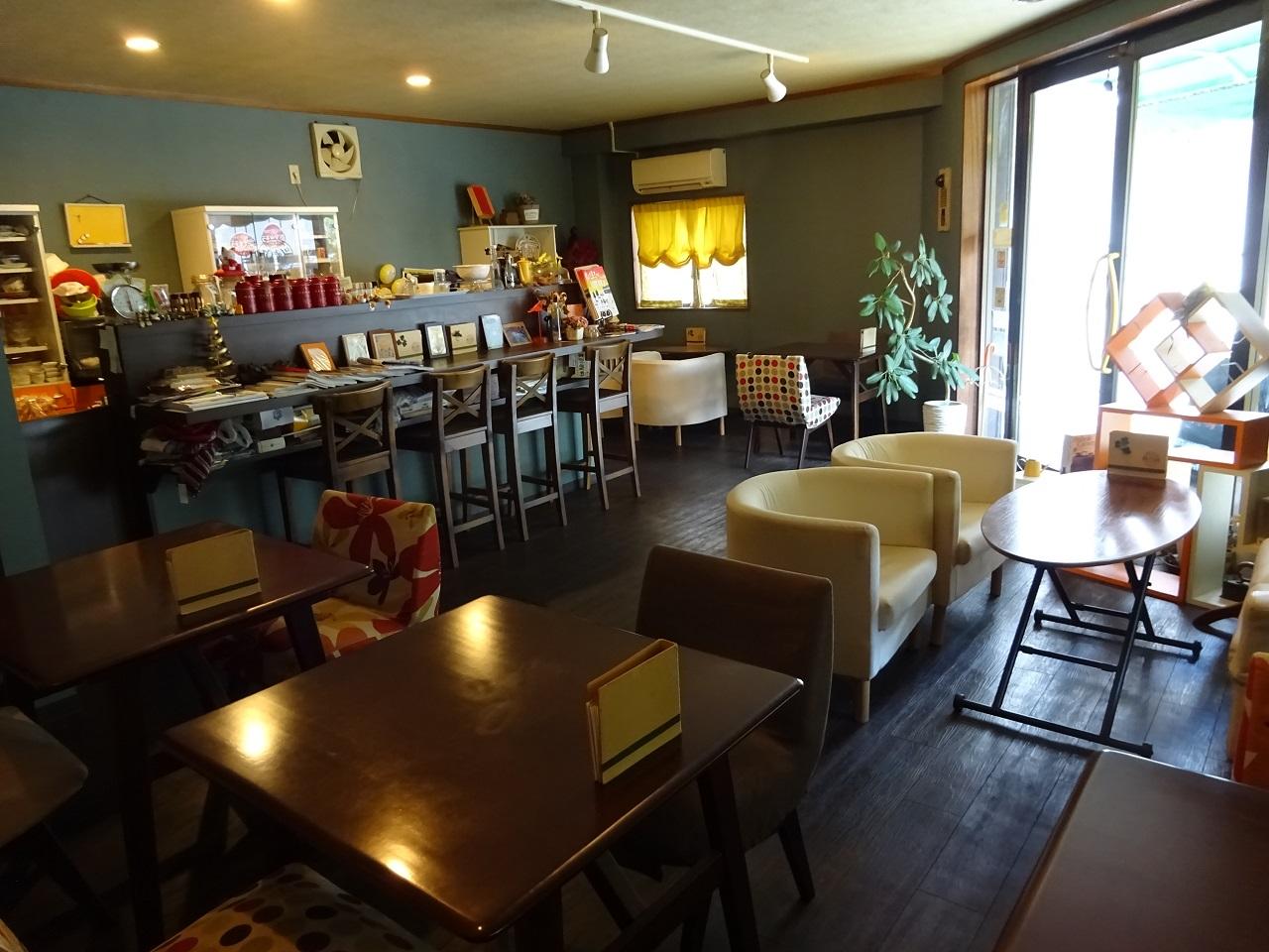 カフェ「イツモノトコロ」店内
