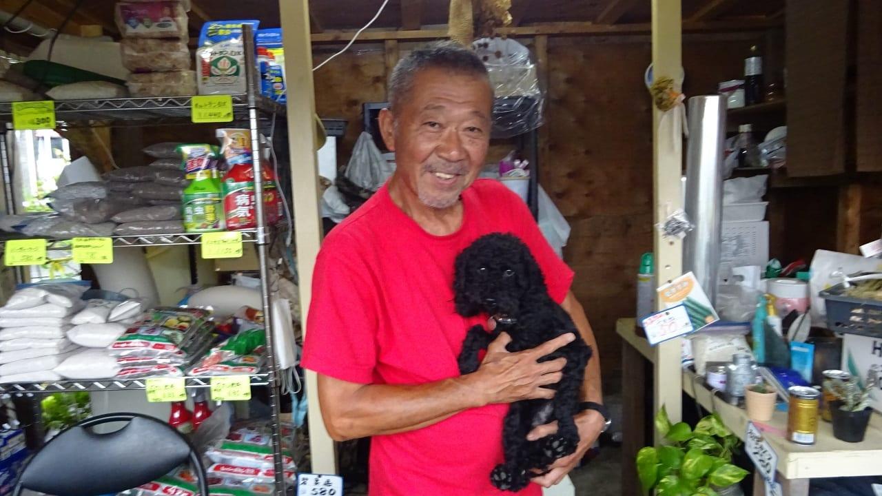 代表の田中さんと愛犬のビーちゃん