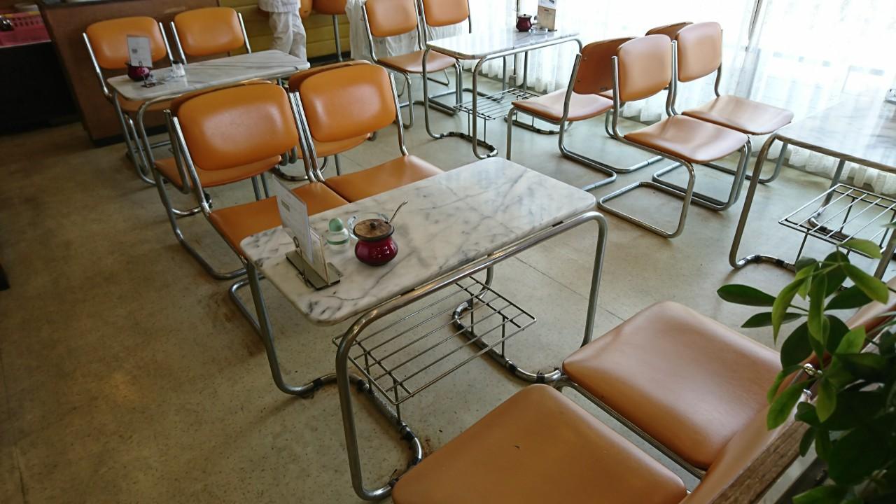 サンマローのカフェスペース